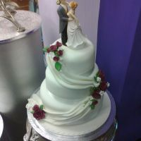 3-tier-swag-wedding3D1CCF8F-5CBD-1C71-3FE0-7EC9707A4C92.jpg
