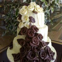 chocolate-wedding-roses1EB3F77A-AB6C-B9CE-3F0F-ED8CE8FBE898.jpg